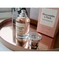 Дуэт ароматов Away от Abercrombie & Fitch: неповторимый стиль для него и для нее